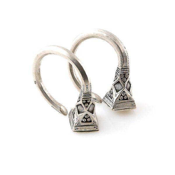 0f76504f0 Old Tuareg Silver Tsabit Hoops Earrings Tizabaten, Niger – KAZAART
